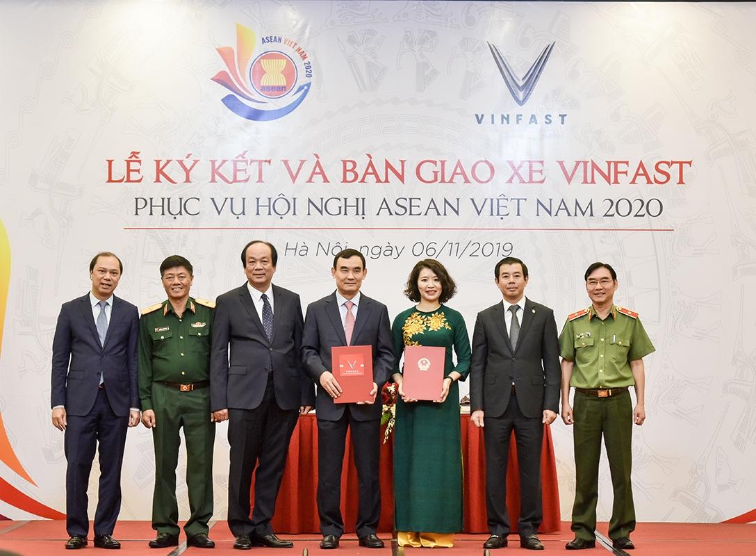 VINFAST LÀ PHƯƠNG TIỆN DI CHUYỂN CHÍNH CỦA HỘI NGHỊ ASEAN 2020