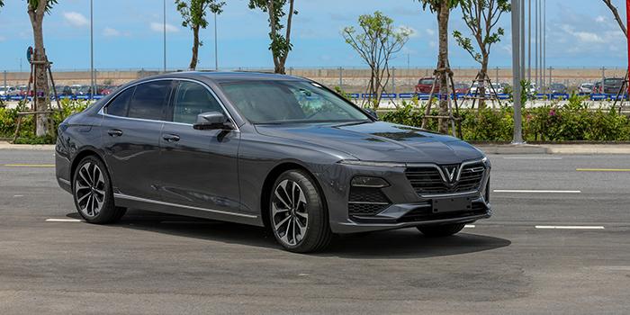 Đánh giá xe VinFast Lux A2.0 - Chiếc sedan hạng E của thương hiệu VinFast