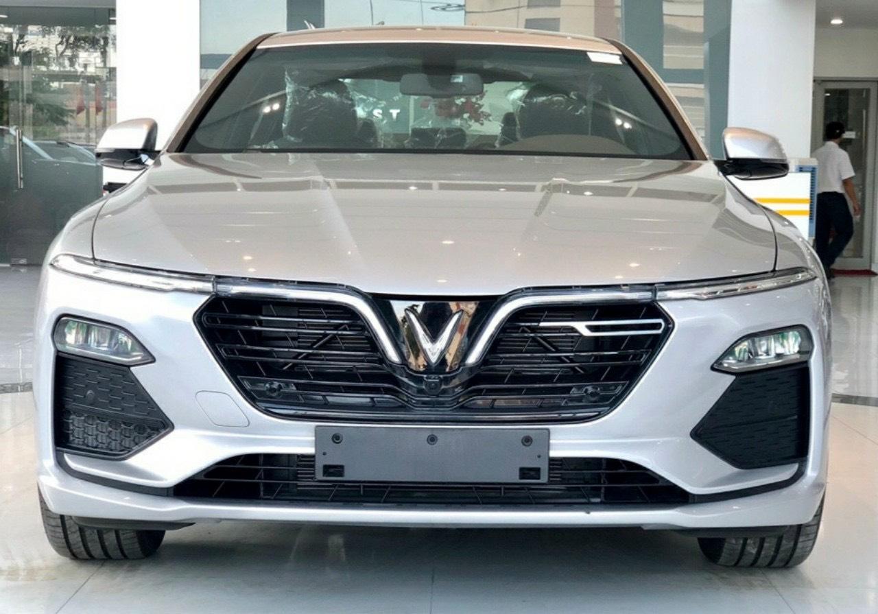 Lux A tiêu chuẩn màu bạc