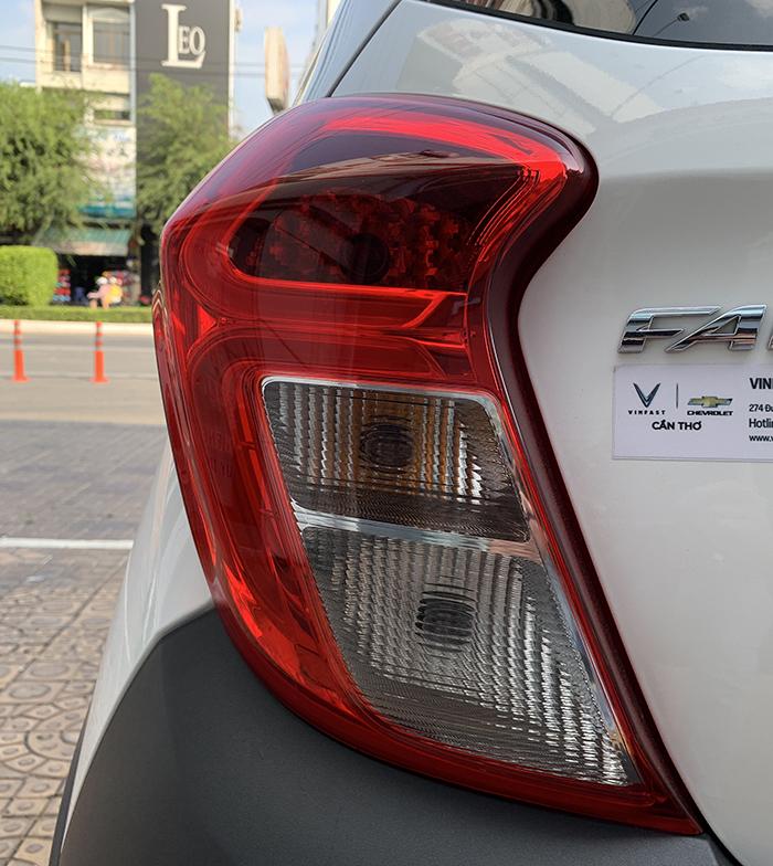 Đèn hậu xe VinFast Fadil to bản và dễ quan sát