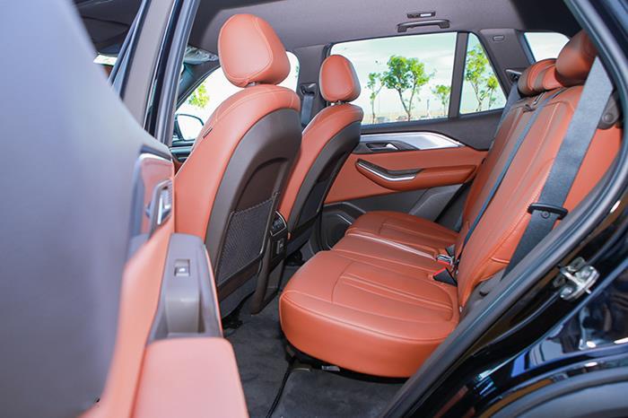 Đánh giá xe VinFast Lux SA tại VinFast Miền Nam