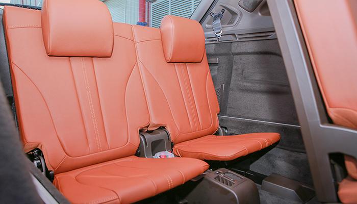 Hàng ghế sau của lux sa tại vinfast cần thơ ngồi tương đôi ổn