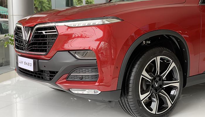 Đầu xe của VinFast Lux SA mang đậm chất việt nam