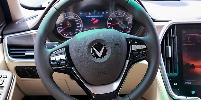 Đánh giá xe VinFast Lux A2.0 tại VinFast Miền Nam